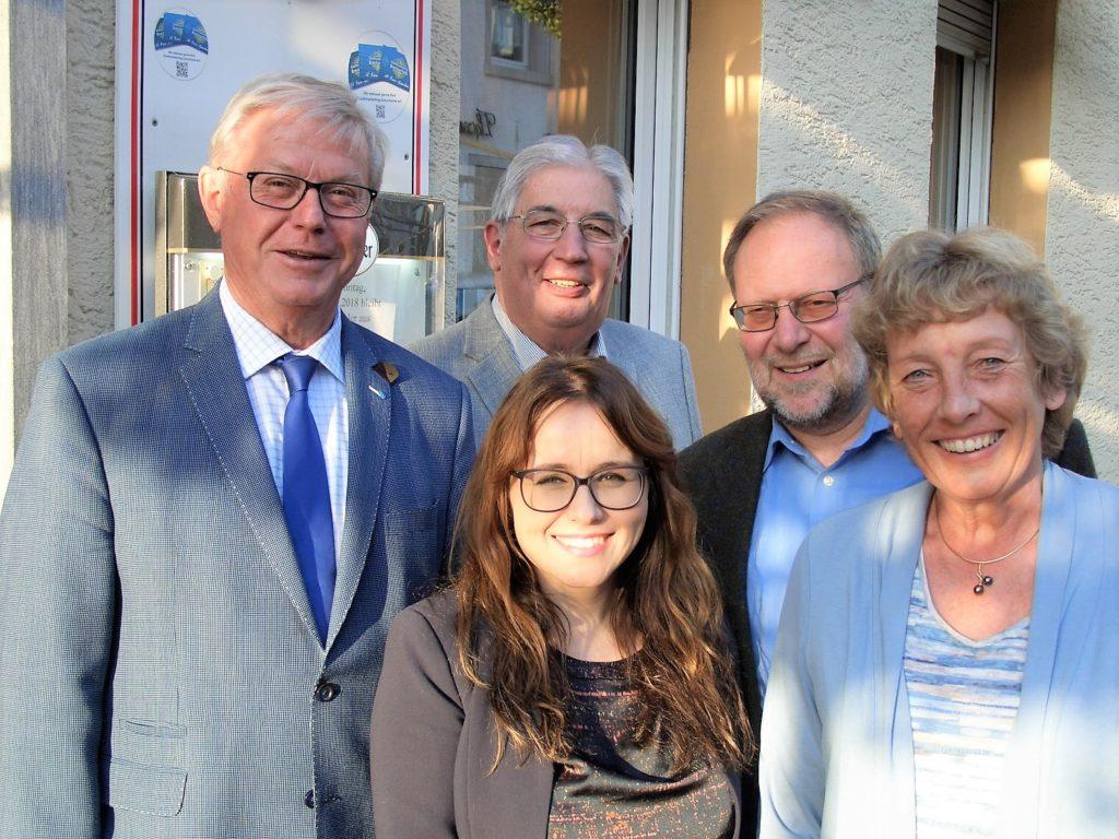 Die gewählten Delegierten Klaus Baumann, Rainer Giesel, Martin Gensler und Ulrike Borowski zusammen mit Cemile Giousouf. Es fehlt: André Dahlhaus.